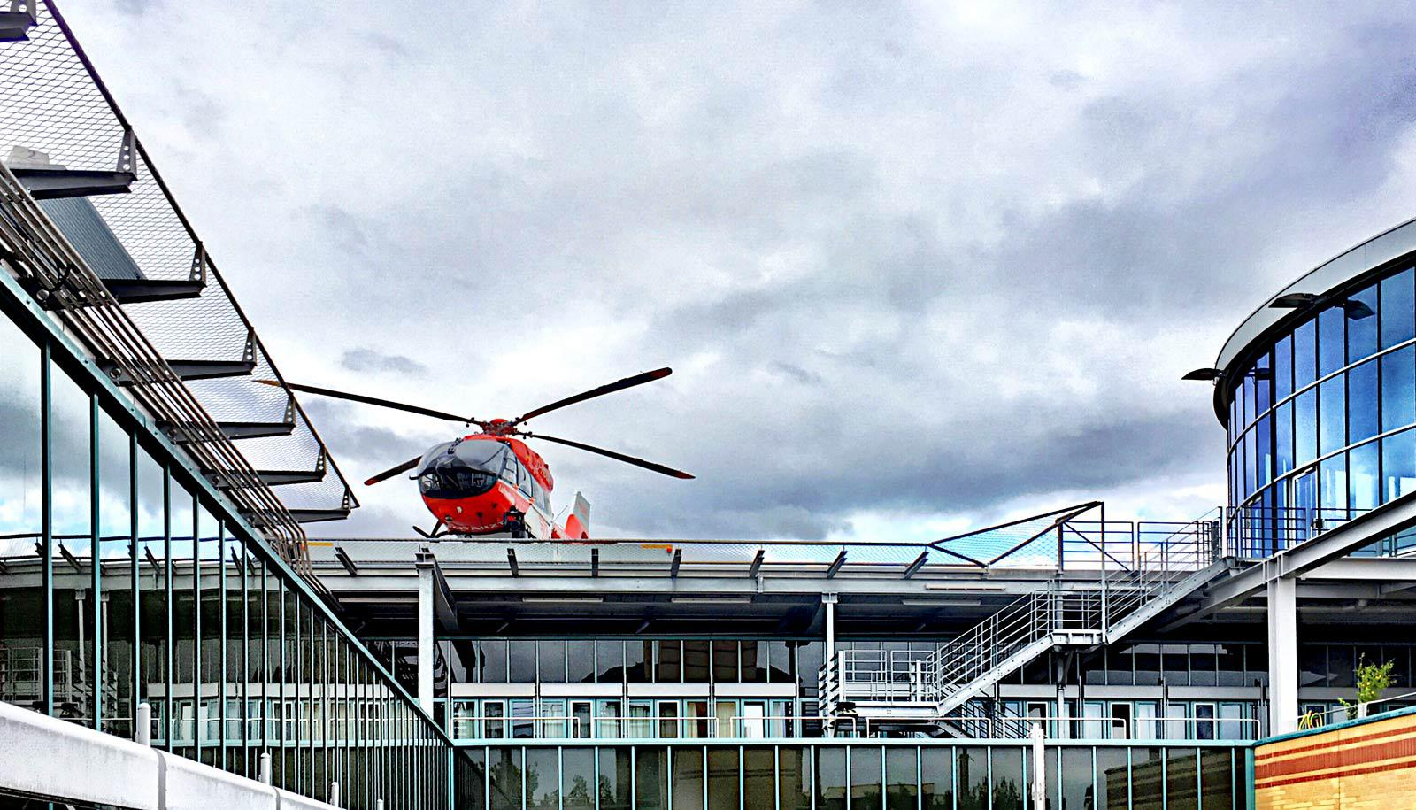 helicopter on hospital roof - lung transplants