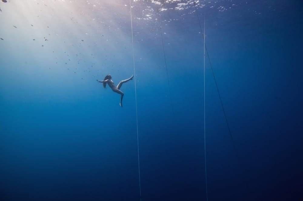 Freediver suspended