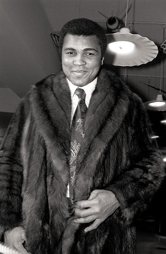 Muhammad Ali, Grit & Glamour, photo by Allan Tannenbaum