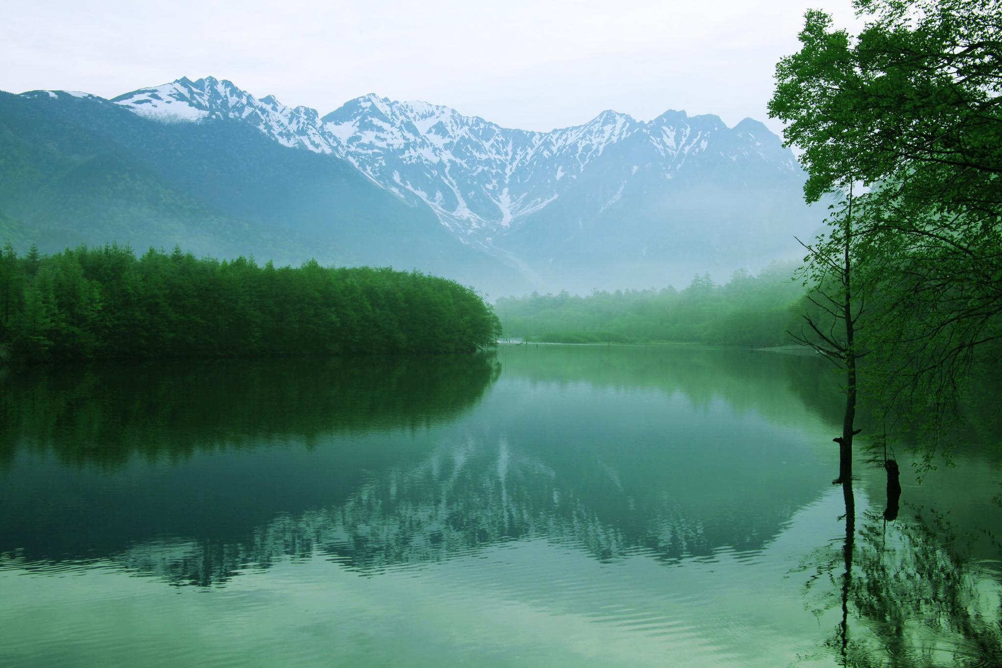 The Taisho Pond and Mount Hotaka in Japan's Koshinetsu region.