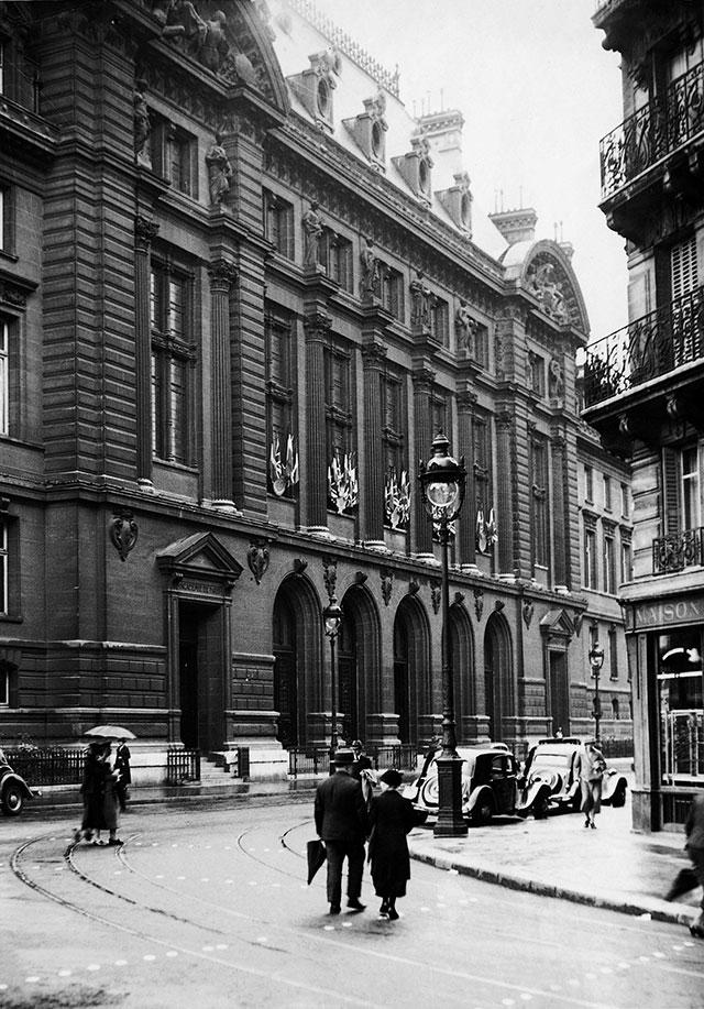 The University of Sorbonne in Paris, 1938 (Sueddeutsche Zeitung / Alamy Stock Photo)