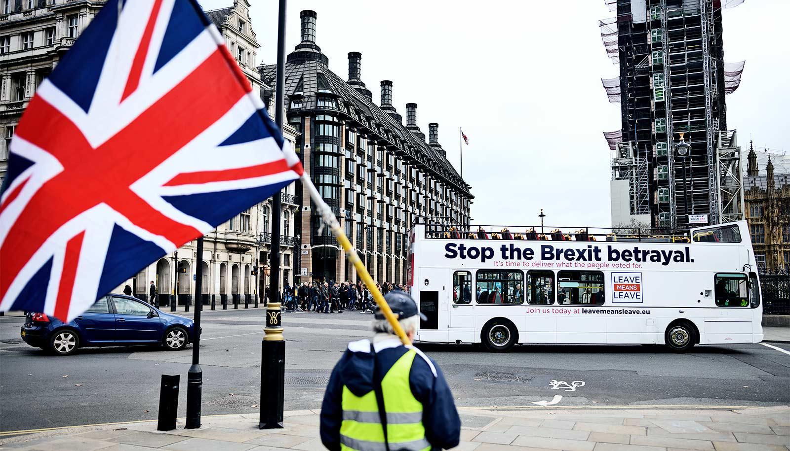Brexit leave bus