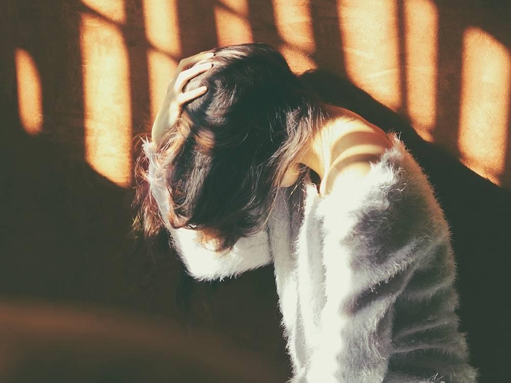 girl suffering traumatic memories