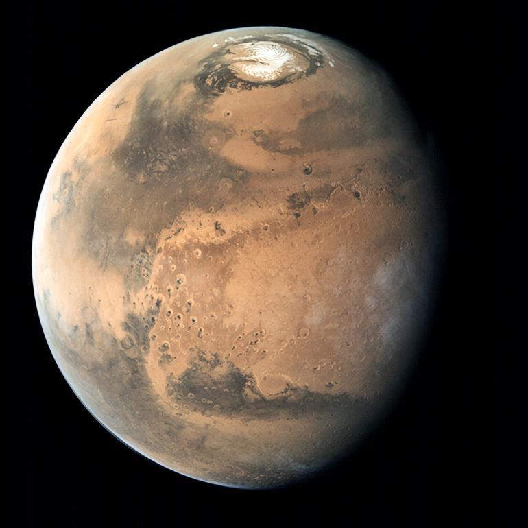 Global view of Mars' polar cap