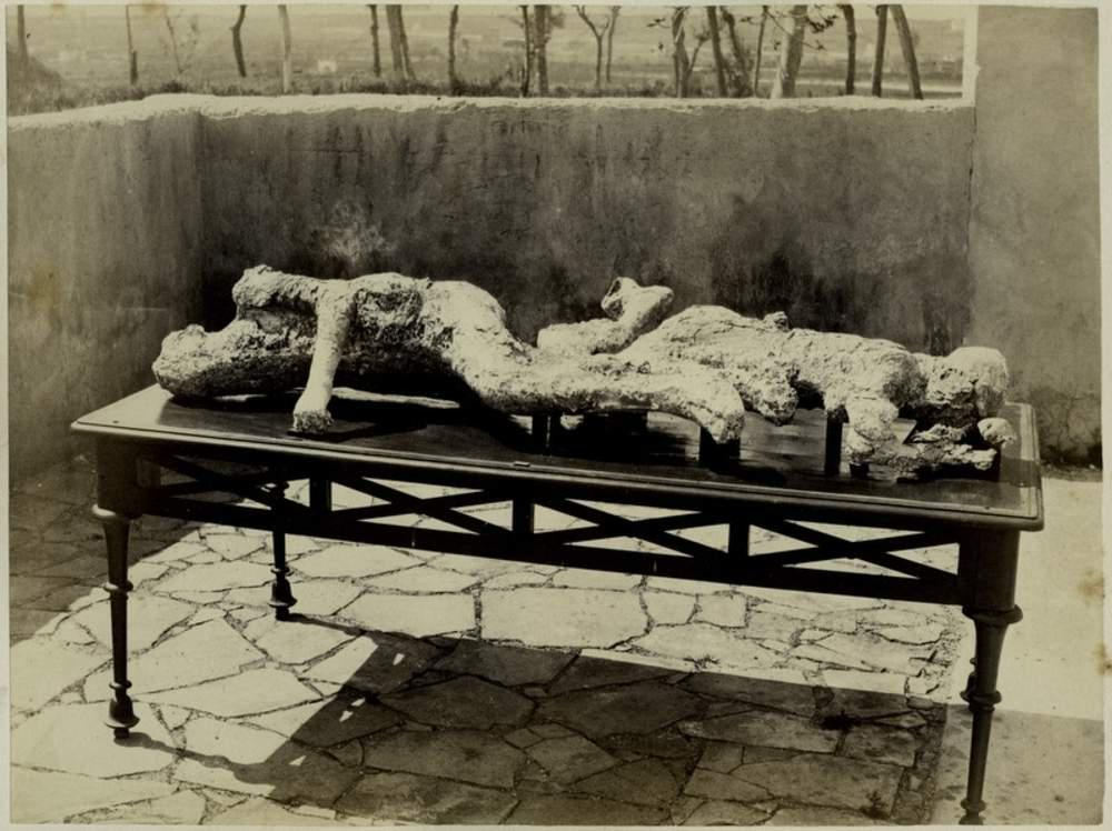 human remains at pompeii