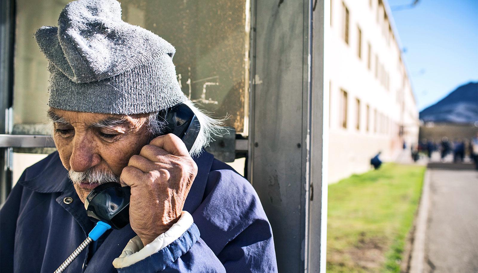 prisoner on the phone