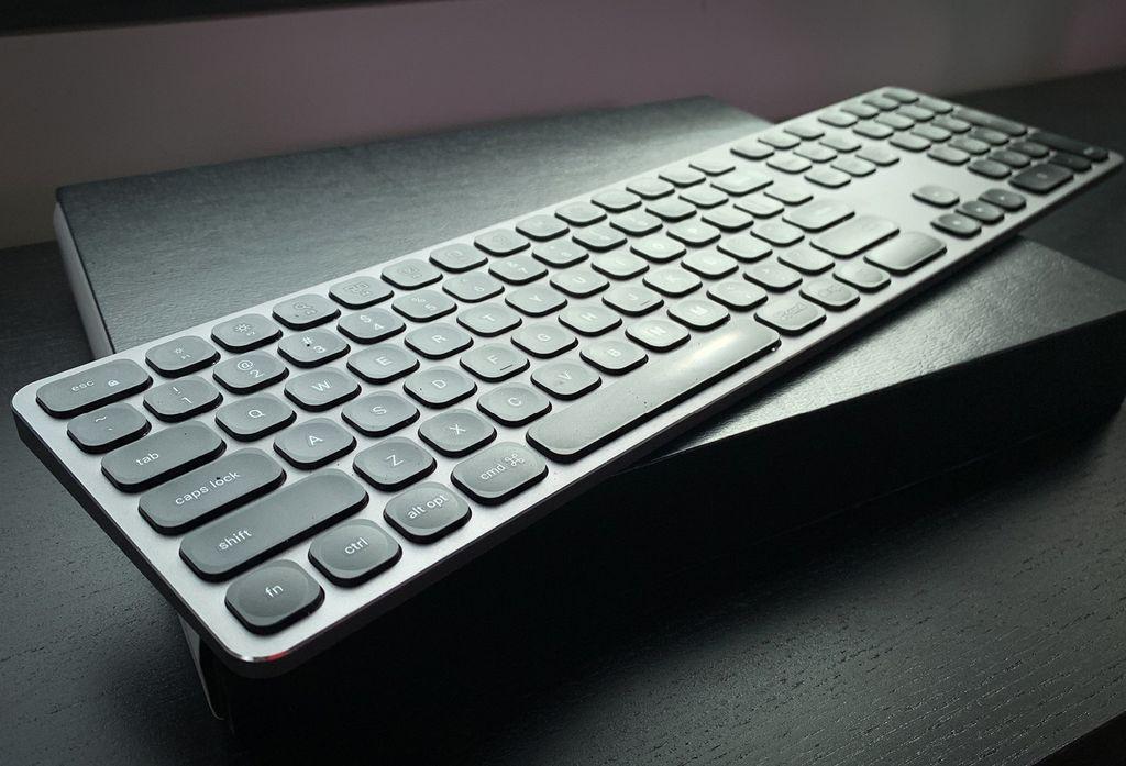 Satechi Aluminum Bluetooth Keyboard With Numeric Keypad: Good Form