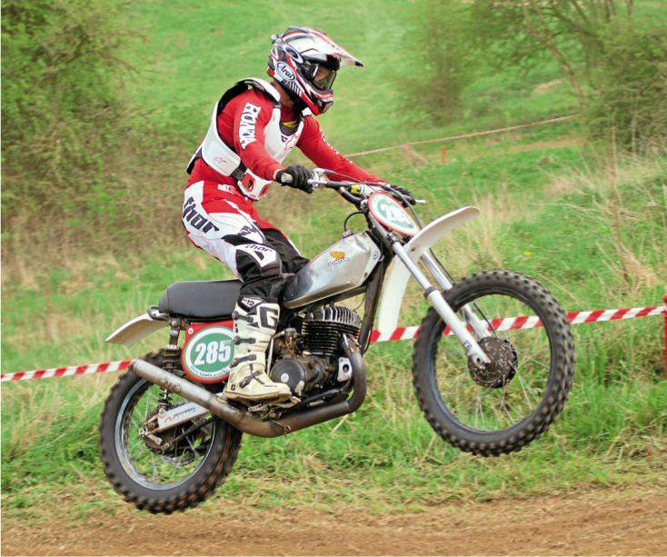 d7e100d302a The sponsored AMCA British Classic Motocross Championship got off to a  cracking start at Yatton