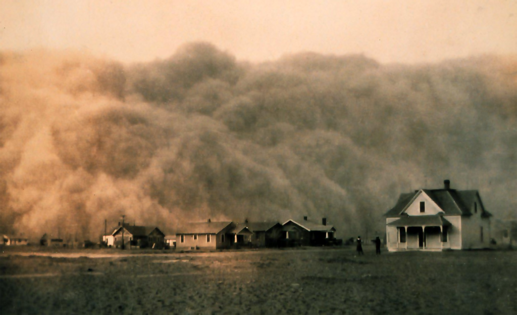 Dust storm approaching Stratford, Texas in 1935.